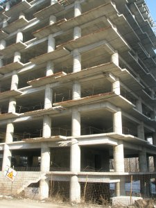 Complex rezidential Titeica